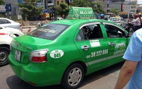 Taxi Mai Linh hất cảnh sát lên capo: Bắt khẩn cấp tài xế - Ảnh 2