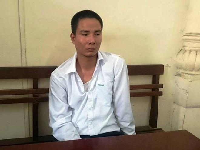 Taxi Mai Linh hất cảnh sát lên capo: Bắt khẩn cấp tài xế - Ảnh 1