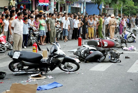 Gây tai nạn giao thông, có bị xử lý hình sự khi người bị hại không khởi kiện? - Ảnh 1