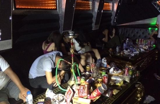 """Hàng trăm người """"thắc loạn"""" ở Karaoke Ruby: 105 đối tượng dương tính với ma túy - Ảnh 1"""