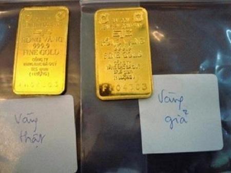 Bắt kẻ lừa đảo chuyên mang vàng giả đi cầm cố lấy tiền - Ảnh 1