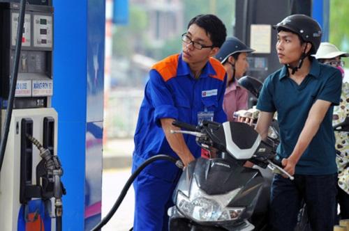 Giá xăng giữ nguyên, giá cơ sở xăng dầu giảm 800-1.000 đồng - Ảnh 1