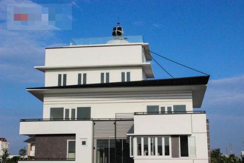 Trực thăng đậu trên nóc nhà: Đại gia lên tiếng, chính quyền vận động tháo dỡ - Ảnh 5