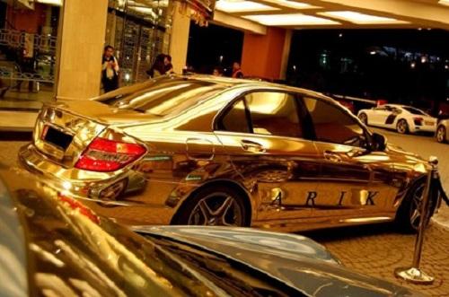 Sửng sốt: Đại gia mất 14 năm mới sử dụng hết 7000 siêu xe của mình - Ảnh 6