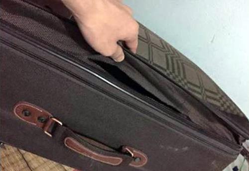 Cách hay phòng chống hiện tượng bị móc trộm hành lý ở sân bay - Ảnh 1