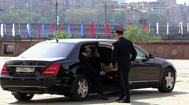 2 chiếc Limousine chống đạn của Bộ Ngoại giao đã về Việt Nam - Ảnh 3