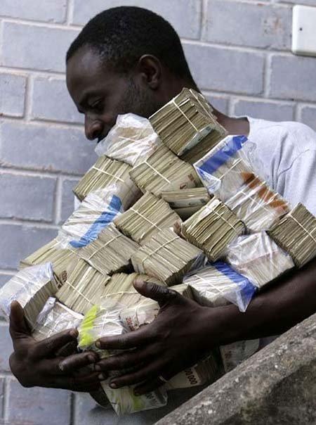 """Nơi trẻ con cũng là """"triệu phú"""": Vì sao người dân không thích đổi tiền? - Ảnh 2"""