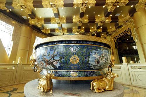 Cận cảnh khách sạn 74 tầng dát vàng ở Trung Quốc - Ảnh 5
