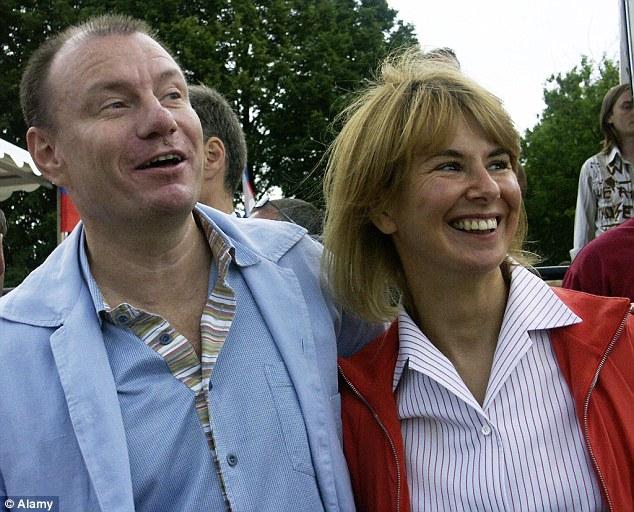 Tỷ phú giàu nhất nước Nga có thể mất nửa tài sản cho vợ cũ - Ảnh 2