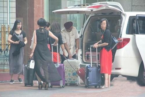 Sự thật đằng sau tour du lịch thẩm mỹ của những quý bà siêu giàu - Ảnh 4