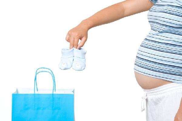 Mẹo tiết kiệm chi phí cho các cặp vợ chồng chuẩn bị sinh con - Ảnh 2