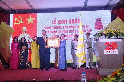 Công ty Trung Thành vinh dự đón nhận Huân chương Lao động hạng Ba - Ảnh 2
