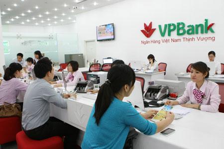 """Tiền lương của nhân viên ngân hàng VPBank gây """"ghen tỵ"""" - Ảnh 1"""