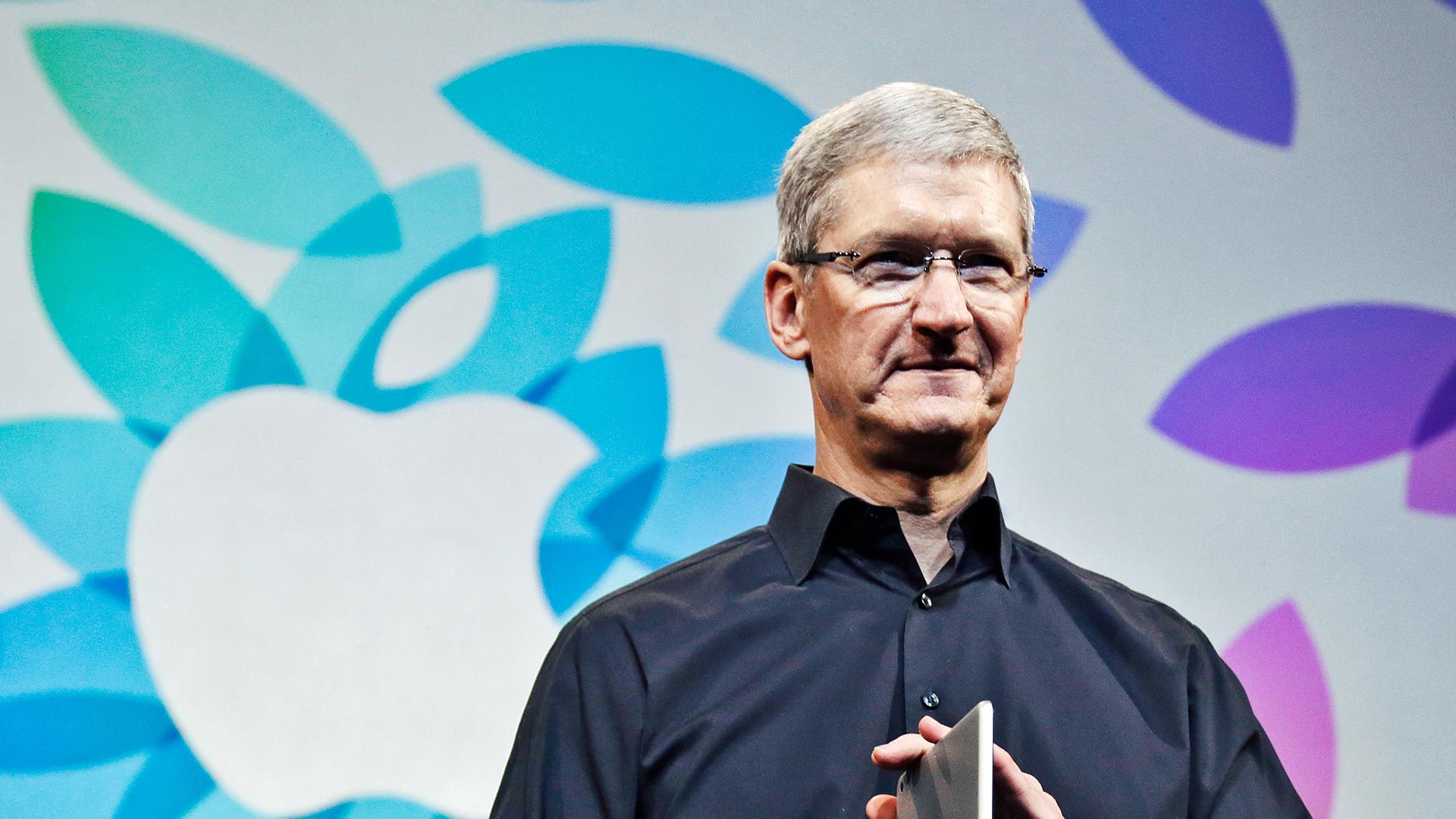 """Apple """"mạnh tay"""" chi tiền khủng để bảo vệ Tim Cook - Ảnh 1"""