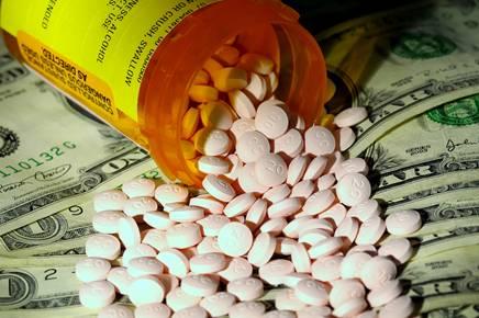 WHO khuyến cáo: 50% thuốc bán trên mạng internet là thuốc giả - Ảnh 2