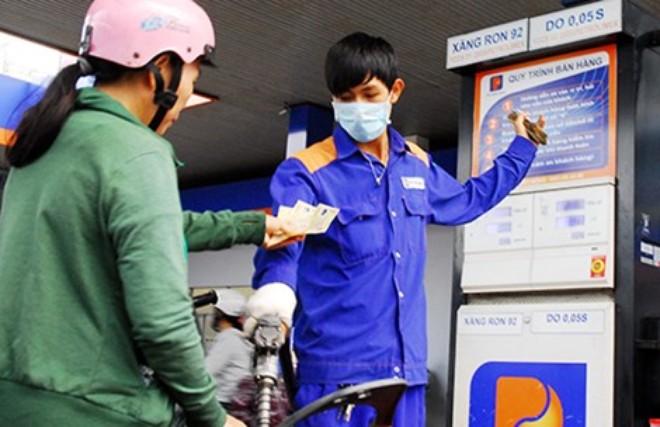 Sai phạm ở Petrolimex: Bao giờ quyền lợi người tiêu dùng mới được đảm bảo? - Ảnh 1