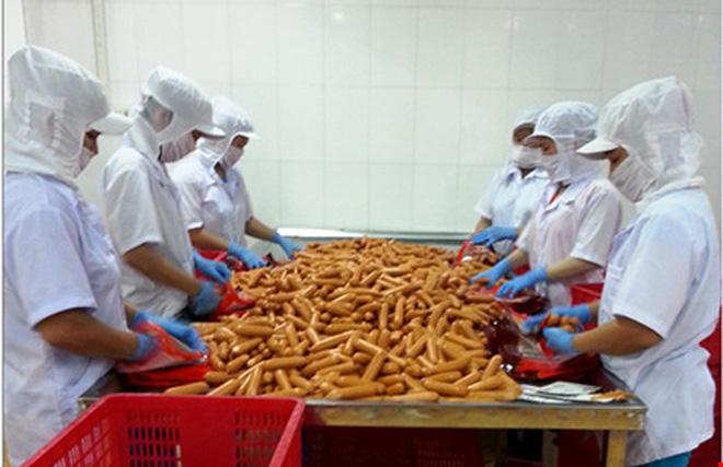 Thủ tướng yêu cầu làm rõ những vấn đề liên quan đến vụ xúc xích Viet Foods - Ảnh 1