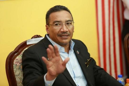 Bộ trưởng Quốc phòng Malaysia đổ bệnh vì khói bụi - Ảnh 1