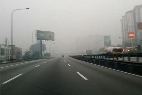 Bộ trưởng Quốc phòng Malaysia đổ bệnh vì khói bụi - Ảnh 2