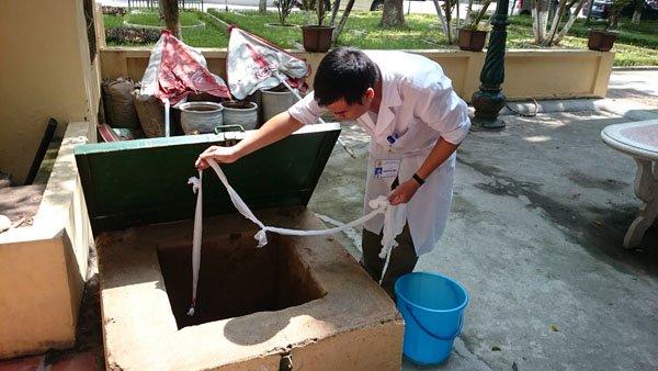 Vỡ đường ống nước: Bác sĩ xách nước, bệnh nhân xin về - Ảnh 4