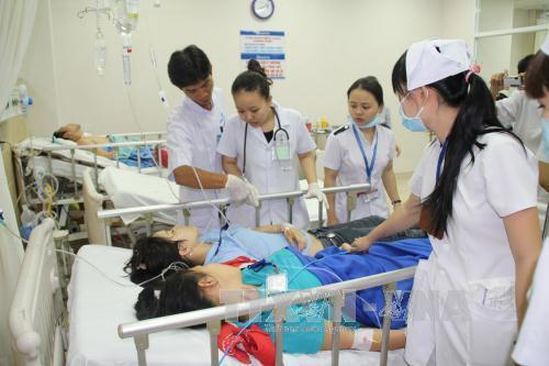 """40 học sinh nhập viện sau khi ngửi phải đồ chơi """"quả bươm hôi"""" - Ảnh 1"""