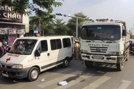 Tin tai nạn giao thông mới nhất ngày 28/11 - Ảnh 1