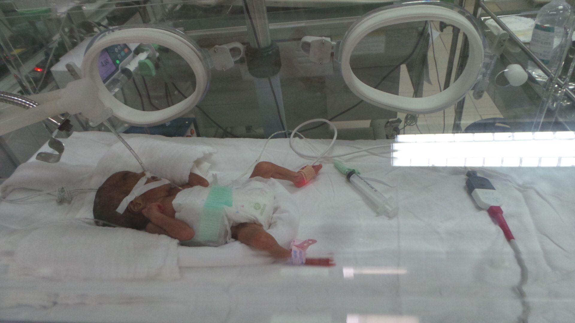 Trẻ sinh ở bệnh viện rất đông: Mẹ có dễ bị trao nhầm con? - Ảnh 2
