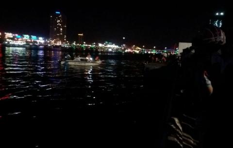 Chìm tàu du lịch trên sông Hàn: 17 cháu bé qua cơn nguy kịch - Ảnh 2