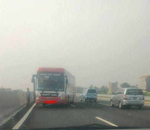 Phạt tài xế 7,5 triệu đồng vì đi ngược chiều trên cao tốc - Ảnh 1
