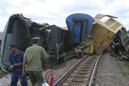 Khẩn trương điều tra nguyên nhân vụ tai nạn tàu hỏa tại Thừa Thiên Huế - Ảnh 1