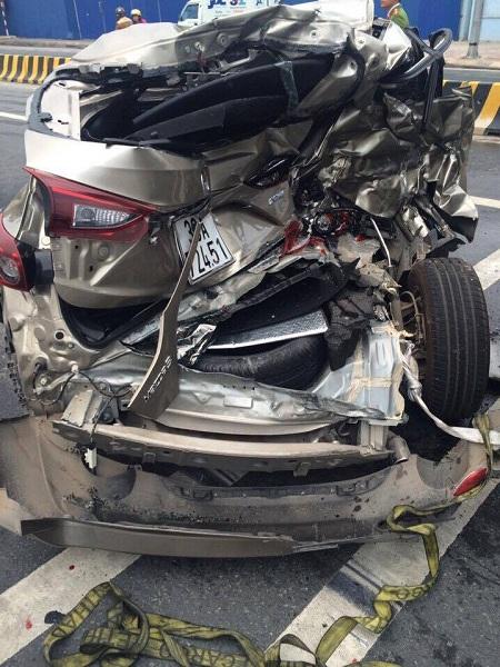 Hà Nội: Tai nạn trước Sân bay Nội Bài, 2 người bị thương - Ảnh 1