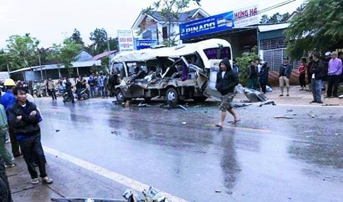 Thăm hỏi, hỗ trợ gia đình các nạn nhân trong 2 vụ tai nạn trên QL 48 - Ảnh 1