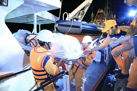 Phó Thủ tướng gửi thư khen các lực lượng cứu nạn tàu Hải Thành - Ảnh 1