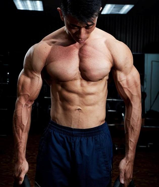 9X tăng 20 kg vẫn sở hữu cơ bụng 6 múi - Ảnh 3