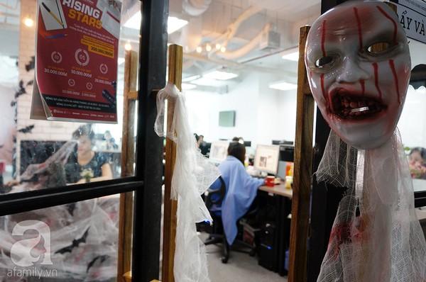 """Dân công sở thích thú khi văn phòng """"biến hình"""" chào đón Halloween - Ảnh 4"""