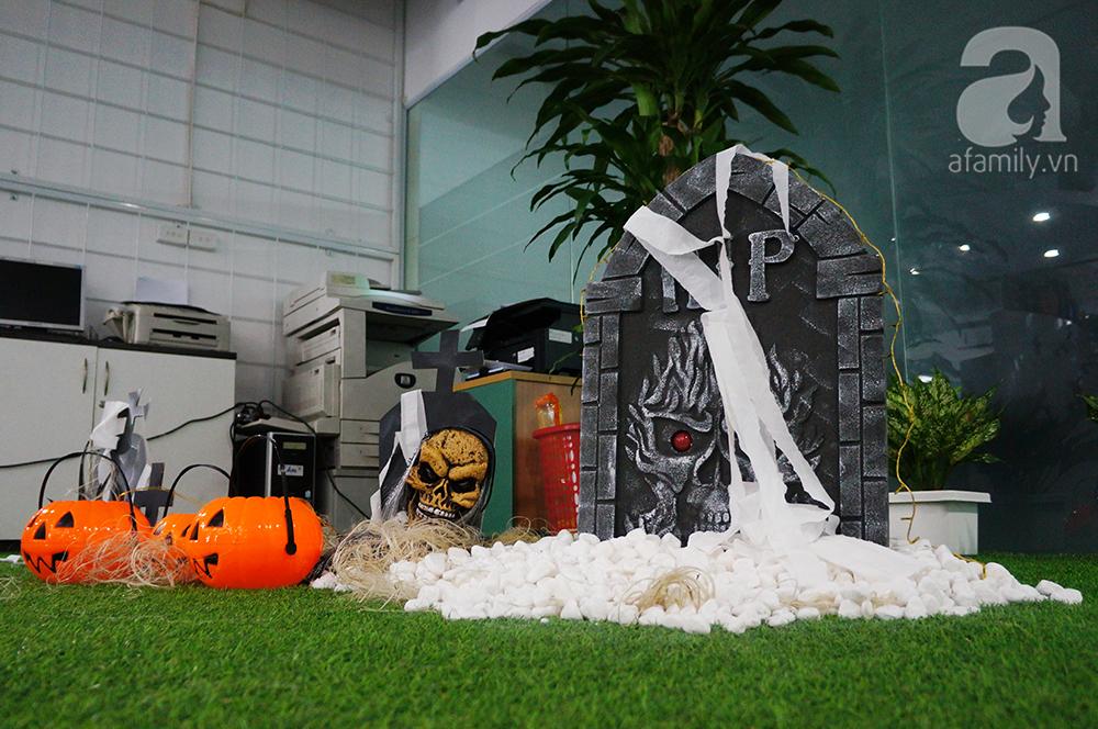 """Dân công sở thích thú khi văn phòng """"biến hình"""" chào đón Halloween - Ảnh 9"""