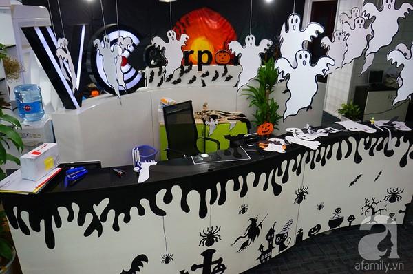 """Dân công sở thích thú khi văn phòng """"biến hình"""" chào đón Halloween - Ảnh 1"""