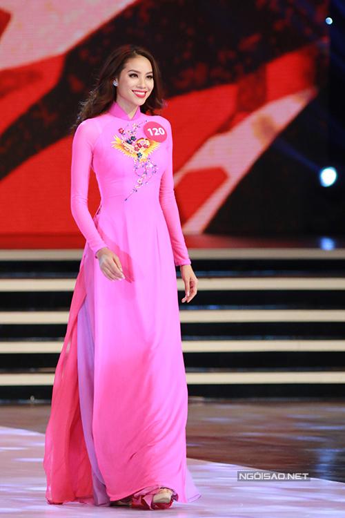 Ngắm vẻ đẹp rạng ngời của tân Hoa hậu Hoàn vũ Việt Nam 2015 - Ảnh 2