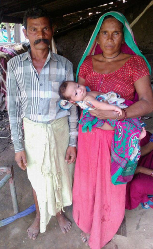 Bi hài cặp vợ chồng Ấn Độ sinh 16 lần mới được cậu quý tử - Ảnh 2