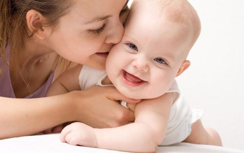 Những khác biệt giữa trẻ sinh mổ và sinh thường - Ảnh 2