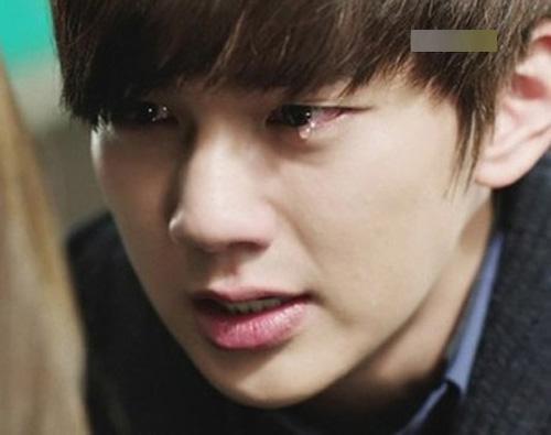 Chàng trai khóc nức nở níu kéo tình yêu trên sóng trực tiếp - Ảnh 1