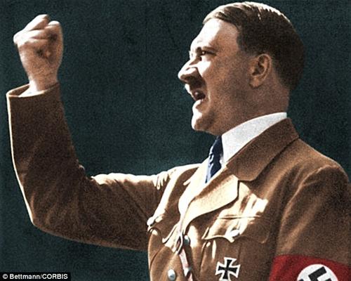24 giờ cuối đời của trùm phát xít Đức Hitler - Ảnh 1