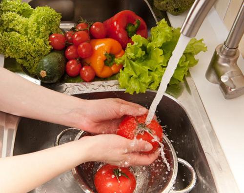 7 nguyên tắc phòng tránh ngộ độc thực phẩm mùa hè - Ảnh 2