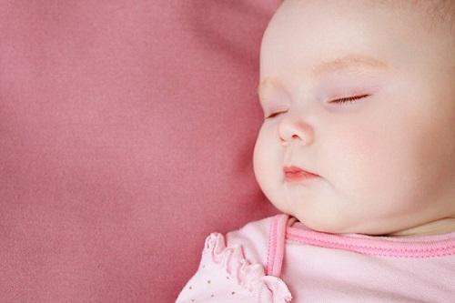 Tật vẹo cổ ở trẻ sơ sinh và cách khắc phục - Ảnh 3