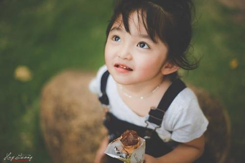 Lộ ảnh những em bé Việt xinh như thiên thần - Ảnh 9
