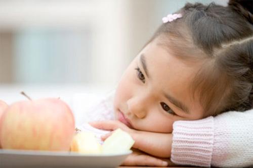 Những nguy hiểm từ việc ép con ăn của các bà mẹ Việt - Ảnh 2