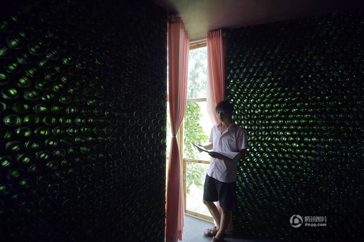 Khám phá ngôi nhà cực mát làm từ 8500 chai thủy tinh - Ảnh 2