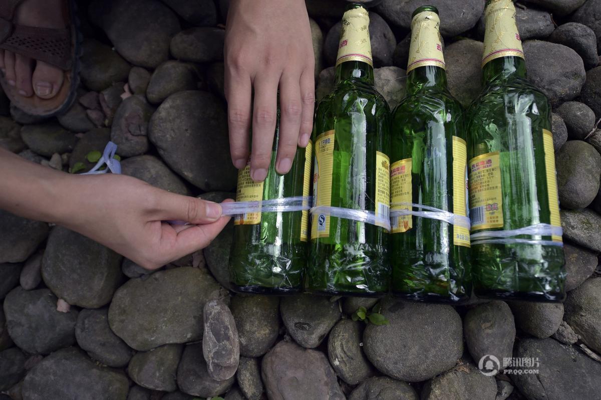 Khám phá ngôi nhà cực mát làm từ 8500 chai thủy tinh - Ảnh 1