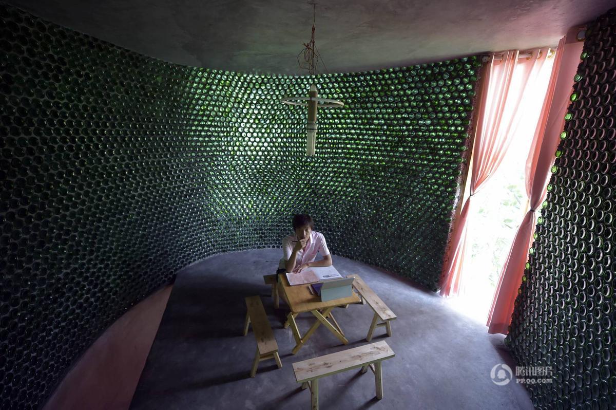 Khám phá ngôi nhà cực mát làm từ 8500 chai thủy tinh - Ảnh 5