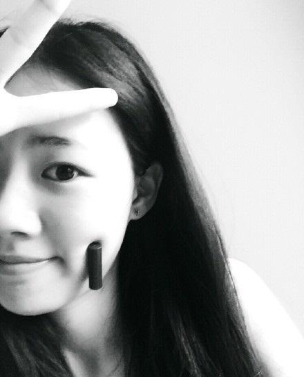 """Giới trẻ Trung Quốc """"phát cuồng"""" với trào lưu khoe má lúm - Ảnh 7"""
